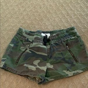 super cute camo shorts